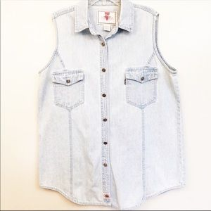 Levi's denim sleeveless button down shirt L
